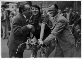 Evelyn Hamilton with Ben Tillett (left) and Claud Butler (right), 1935
