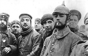British and German troops fraternising on Christmas Day 1914